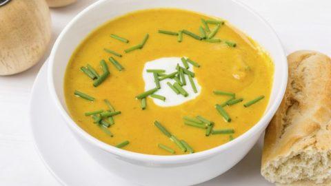 Il fait froid ? Réchauffez vous avec la soupe de patates douces, poireaux et coco