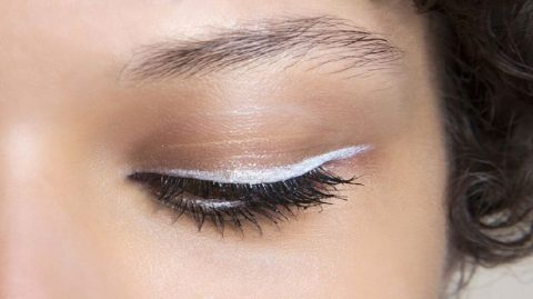 L'eyeliner blanc ? Quelle drôle d'idée !