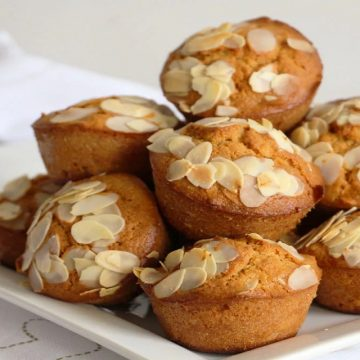 Mini cakes aux amandes et au miel